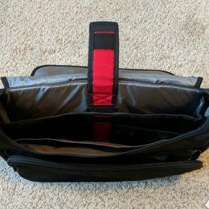 SwissGear Bags - Swiss army victorinox shoulder laptop bag